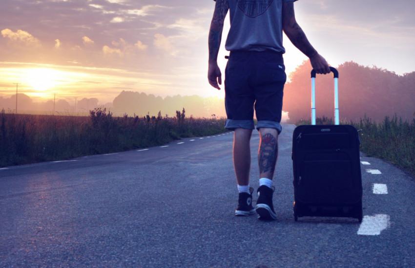 Een lege koffer met je meezeulen in Colombia