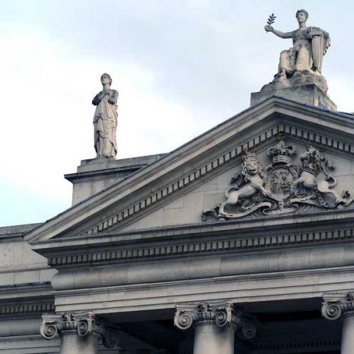 Detail van de Bank of Ireland