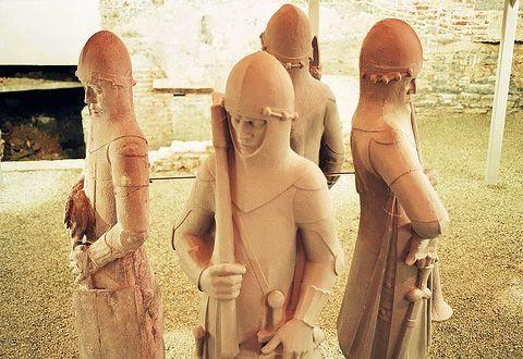 Soldatenbeelden in het Belfort