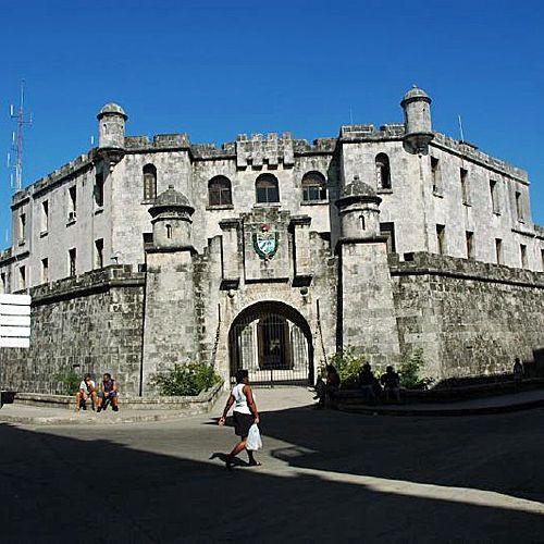 Muren rond het Castillo del Principe