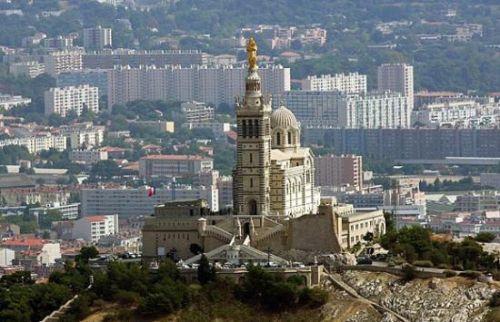 Vergezicht op de Notre-Dame de la Garde