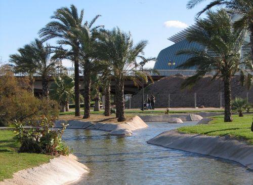Water in de jardines del turia valencia citytrip en reisinfo take a trip - Hotel jardines del turia ...