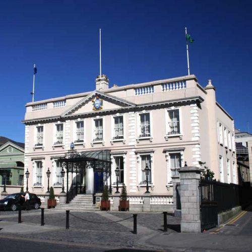 Zicht op het Mansion House
