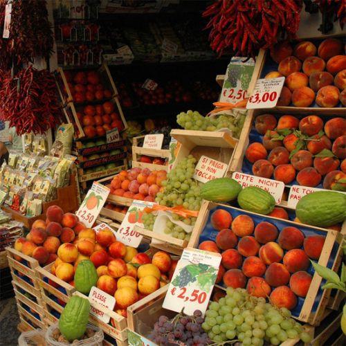 Fruit op de Piazza Mercato