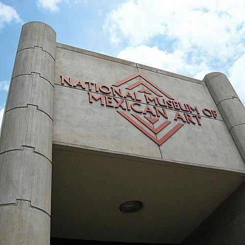 Naambord van het National Museum of Mexican Art