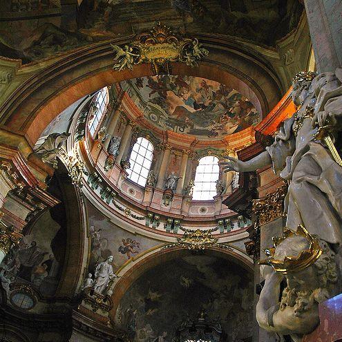 Interieur van de Sint-Nicolaaskerk