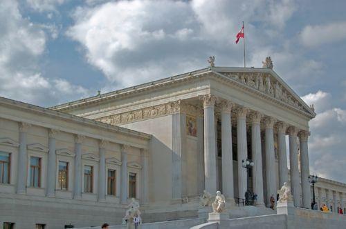 Zijaanzicht van het Oostenrijks Parlement
