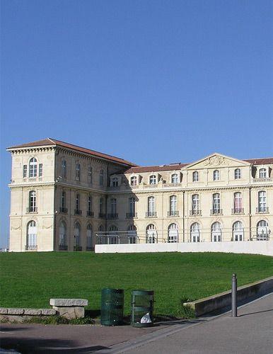 Stuk van het Palais du Pharo