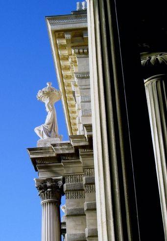 Aan het Palais Longchamp