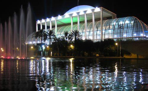 Nachtbeeld van het Palau de la Música