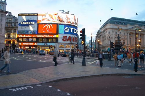 Lichtreclame op Piccadilly Circus
