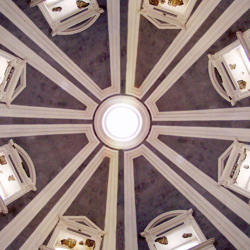 Binnen in de Pio Monte della Misericordia