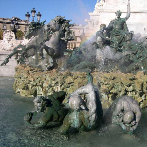Fontein op de Place des Quinconces