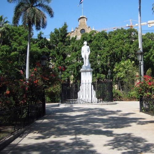 Beeld op de Plaza de Armas