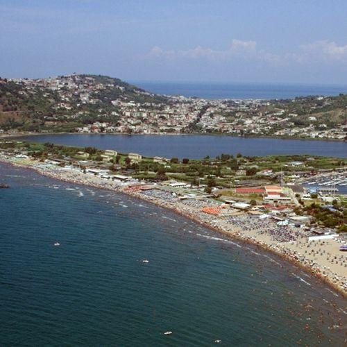Zicht op het eiland Procida