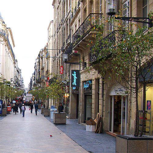 Straatbeeld van de Rue Sainte-Cathérine