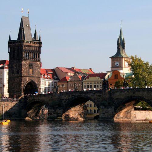 Zijkant van de Karelsbrug