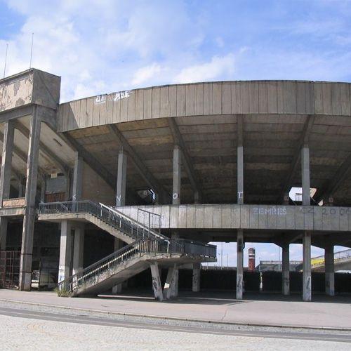 Buiten aan het Strahovstadion