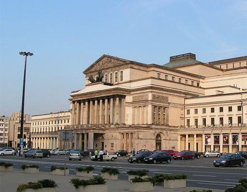 Straat voor het Teatr Wielki
