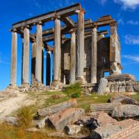 Vooraanzicht van de Tempel van de Olympische Zeus
