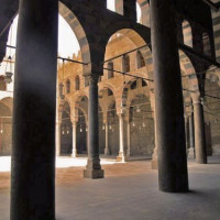 Zuilen in de Al-Nasir Muhammad Madrasa