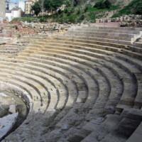 Zitplaatsen in het Romeins amfitheater