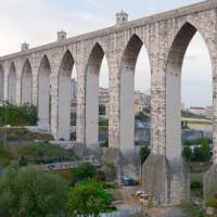 Stenen aquaduct bij Lissabon