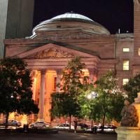 Nachtbeeld van de Bank of Montreal