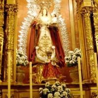Beeldje in de Basílica de la Macarena