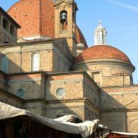 Zicht op de Basilica di San Lorenzo