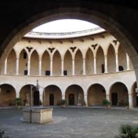 Binnenplein van het Castell de Bellver
