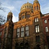 Voorkant van de Neue Synagoge