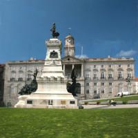 Monument voor het Palácio da Bolsa