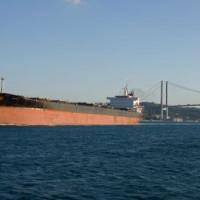 Vrachtschop op de Bosporus