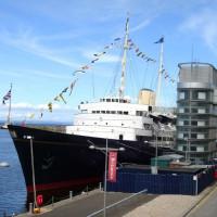 Zicht op de Royal Yacht Britannia