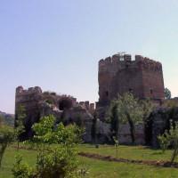 Ruïnes van de Byzantijnse landmuren