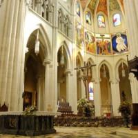 Interieur van de Catedral de la Almudena