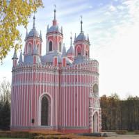 Totaalbeeld van de Chesme-kerk