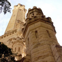 Onder aan de Chicago Water Tower