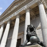 Leeuwenbeeld voor het Congreso de los Diputados