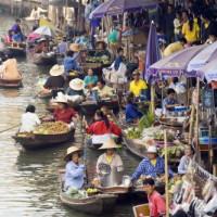 Kraampjes van de drijvende markten