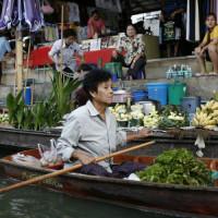 Winkelen op de drijvende markten