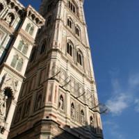 Campanile bij de Duomo