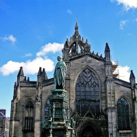 Zicht op St. Giles Cathedral