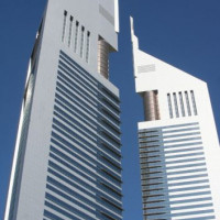 De twee Emirates Towers