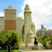 Monument op de Plaza de España