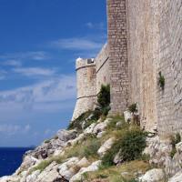 Aan de voet van Fort Lovrijenac