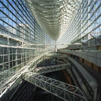 Binnen het Tokyo International Forum
