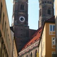 Zijkant van de Frauenkirche