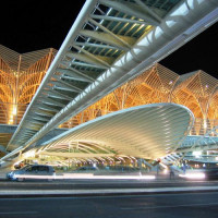 Nachtbeeld van de Gare do Oriente